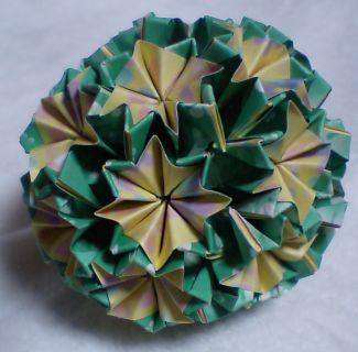NO.002:ふわ花柄 黄×緑 の5センチ角